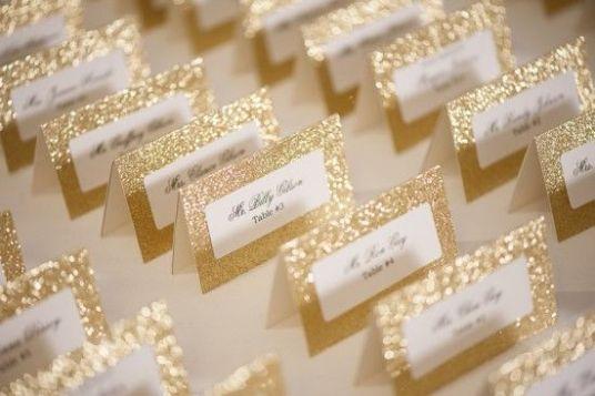 دعوات الزفاف باللون الذهبي