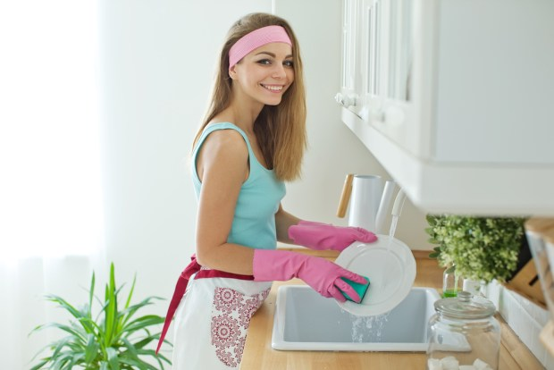 التدبير المنزلي: أخطاء أثناء جلي الأطباق
