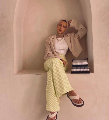 آية برقاوي ترتدي صورة أزياء متقلب من حسابها على Instagram