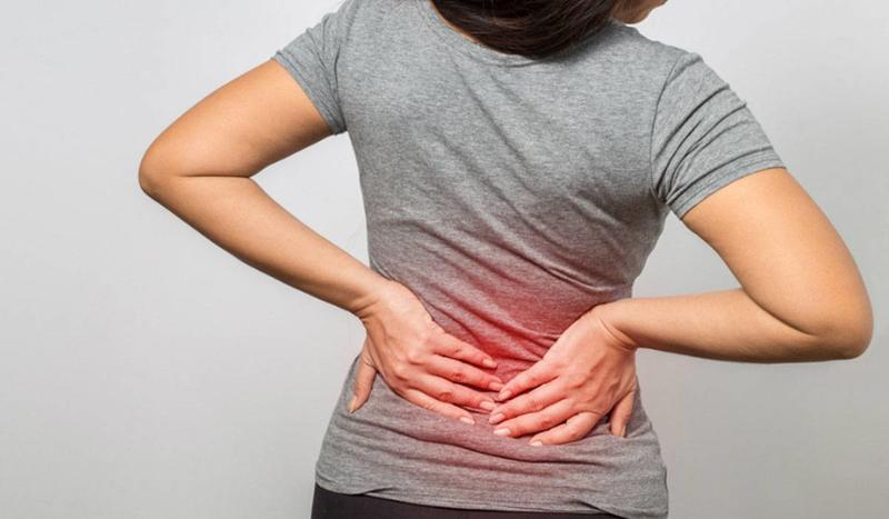 آلام الظهر من أعراض قرحة الرحم