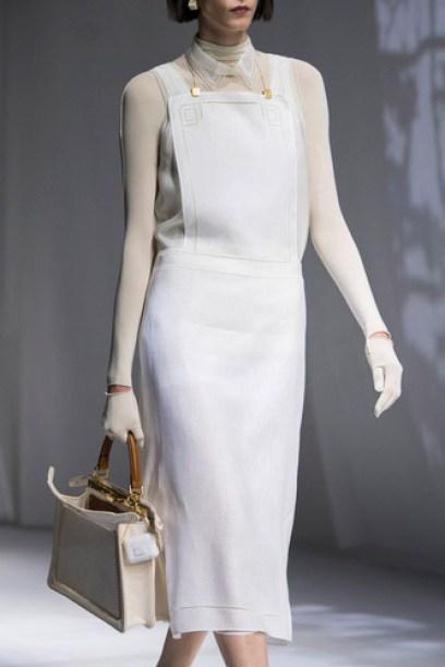 فستان أبيض ميدي من Fendi