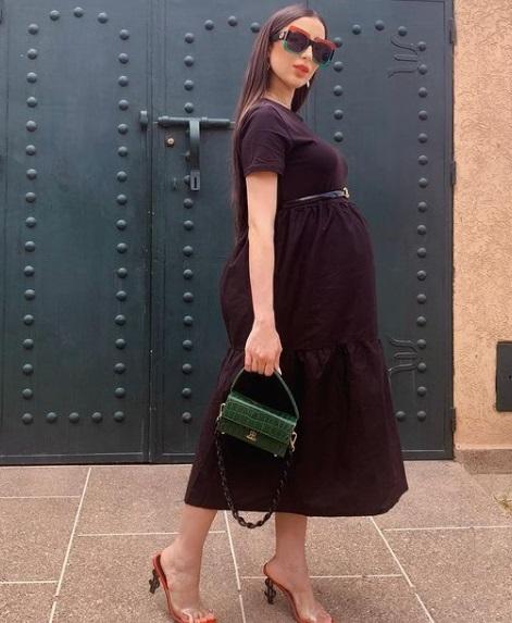 فستان أسود صيفي لدنيا بطمة -صورة 4