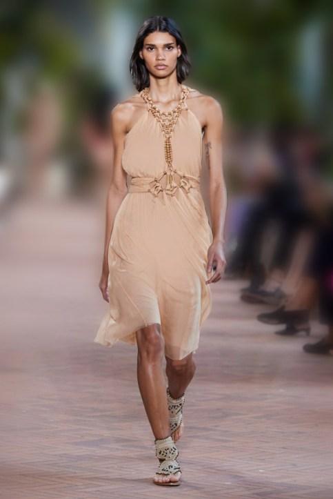 فستان نيود من فستان نيود من ألبرتا فيريتي Alberta Ferretti