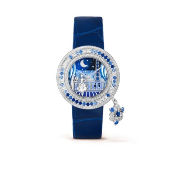 ساعة من الجلد من فان كليف أند آربلز Van Cleef & Arpels