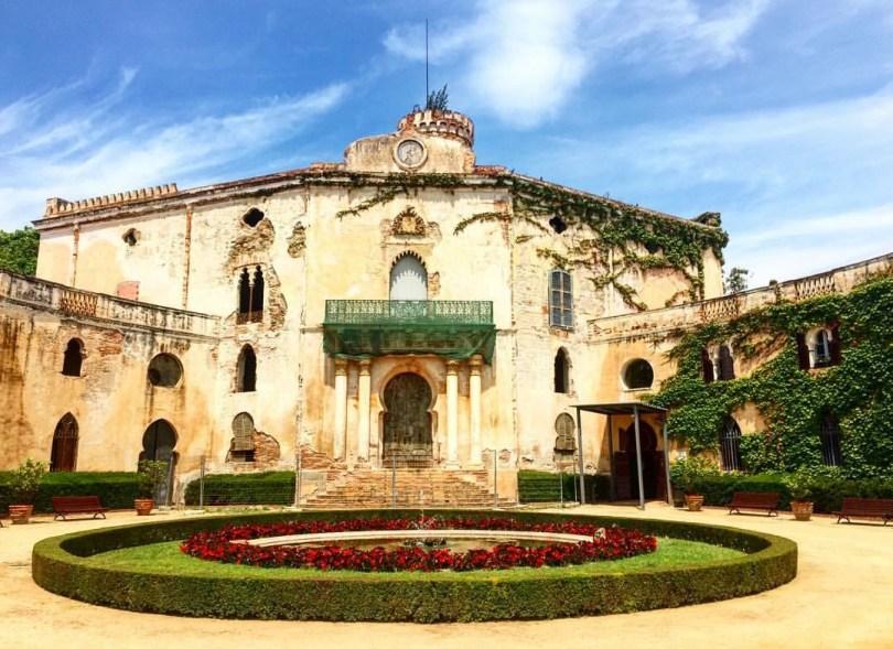 barcelona_palace_mansion_beautiful_gardens