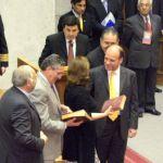 Se entregó Biblia a presidentes de las cámaras del congreso