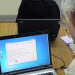 Trabajando en la traducción de la Biblia al Romané (Gitano)