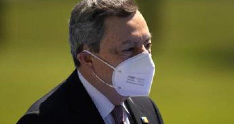 """Draghi: """"Appello a non vaccinarsi è appello a morire"""""""