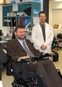 Mike welcomes Federal MP Steven Fletcher to the lab