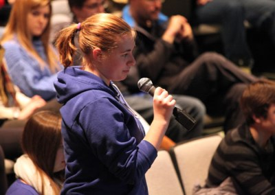 Student asks a question for the Nobel laureate