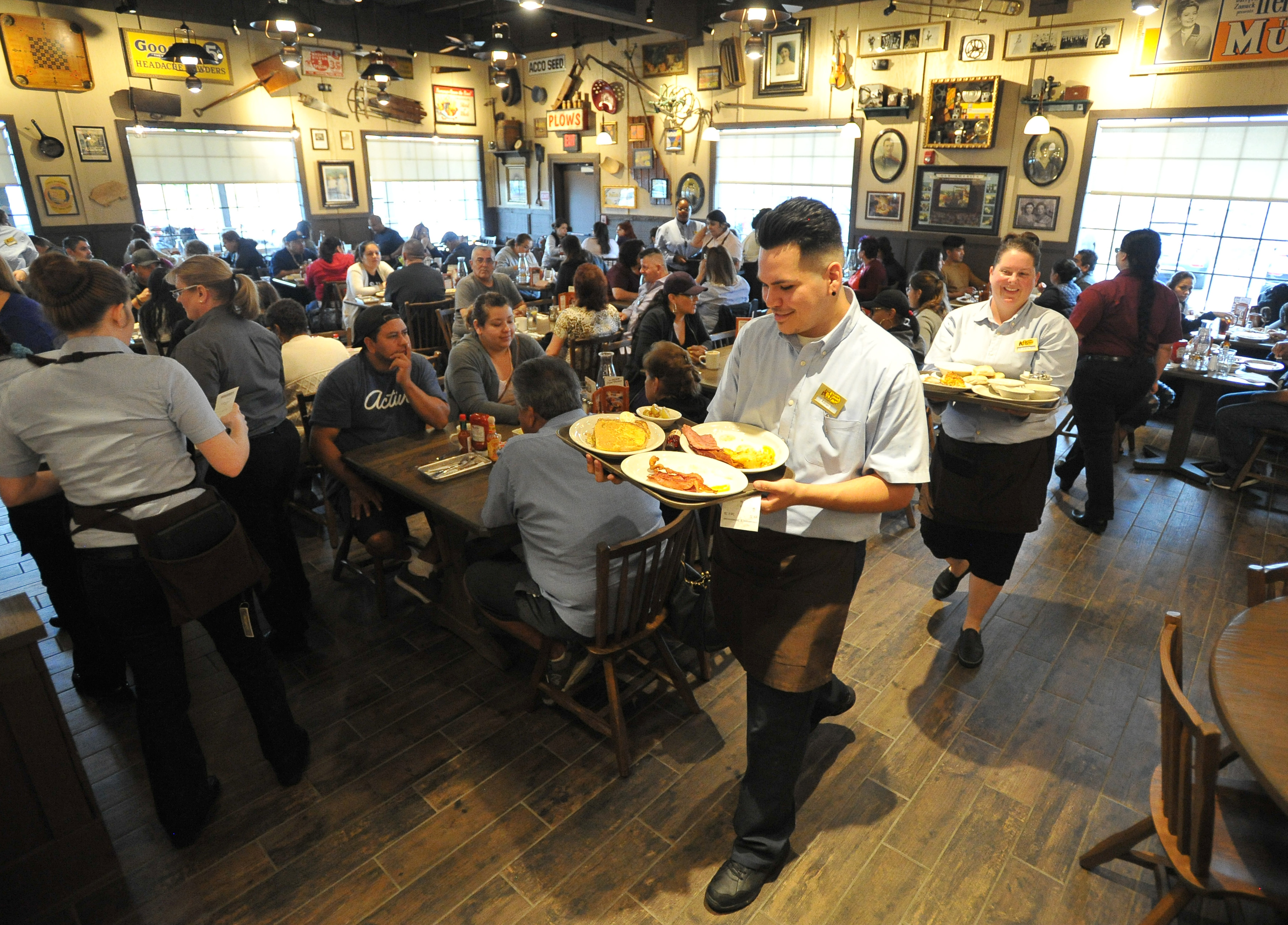 https www sbsun com diners flock to cracker barrel for opening day in rialto