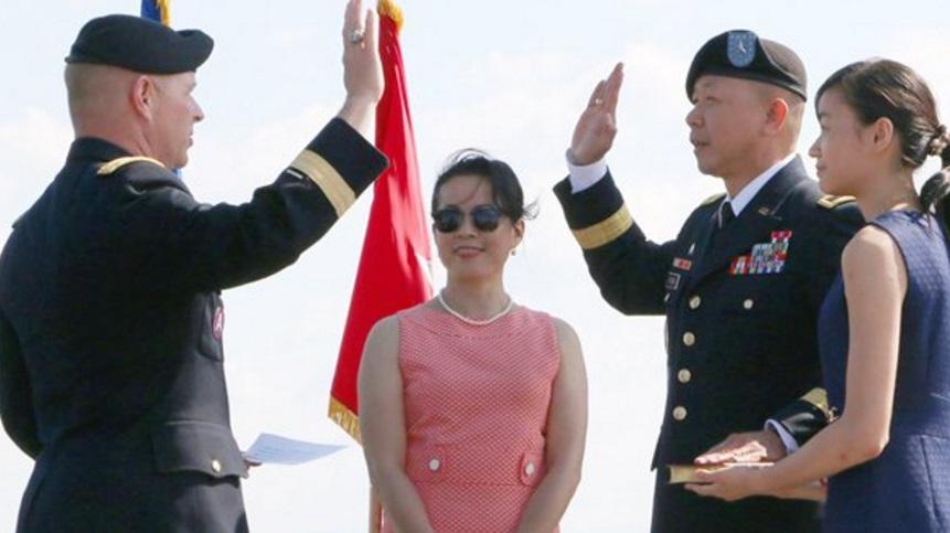 Chuẩn Tướng Flora Lap The trong ngày thăng chức