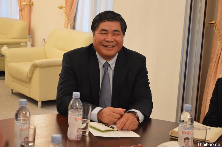 Người Việt ở Đức kêu gọi đại sứ Đoàn Xuân Hưng khai báo để cứu vãn danh dự