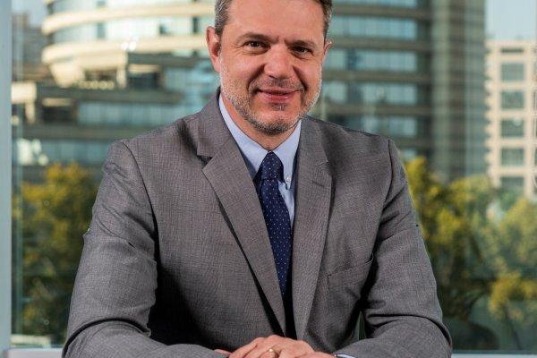 SCAN_20190504_Inteligencia-competitiva_Alex-Poblete-deja-AFP-PlanVital-y-Andrea-Battini-asume-como-gerente-general