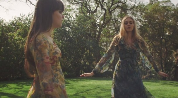 """Videoclip: First Aid Kit – """"My Silver Lining"""""""