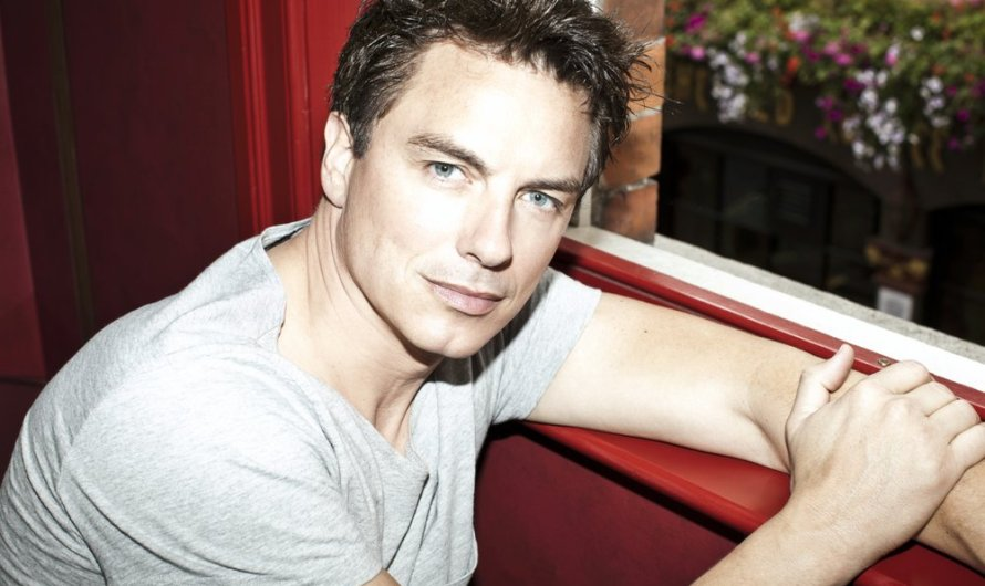 John Barrowman To Appear at Wizard World Comic Con
