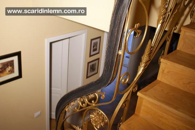 Mana curenta lemn curbat la scara interioara din lemn masiv, balustrada lemn