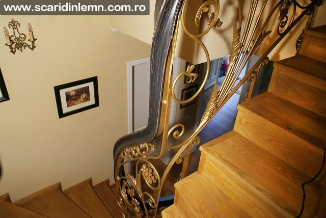 scari interioare de lemn masiv cu mana curenta din lemn curbat cu trepte lemn placate