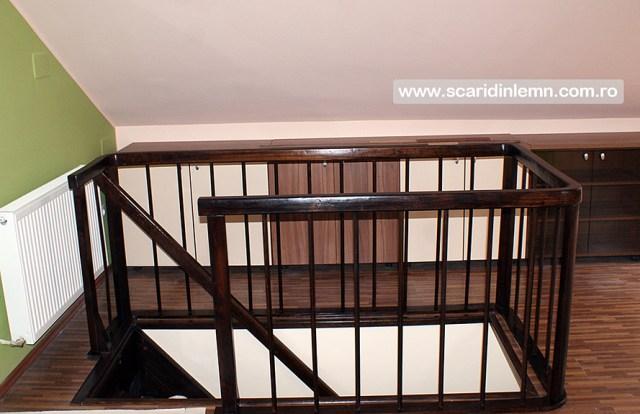 Scari interioare din lemn masiv pe vanguri si suspendata pe corzi, pret scara, design scara, proiect scara, modele scari