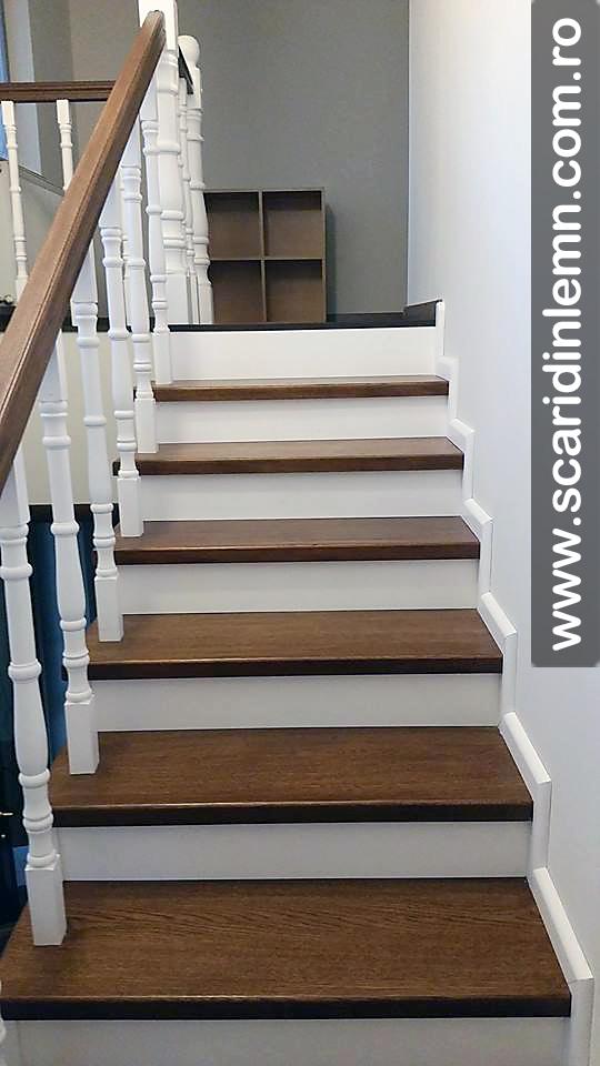 Scara din lemn masiv balustri strunjiti trepte lemn masiv placate