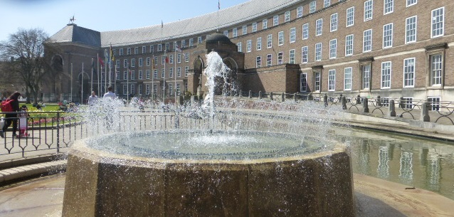 photo walk through Bristol: municipal buildings