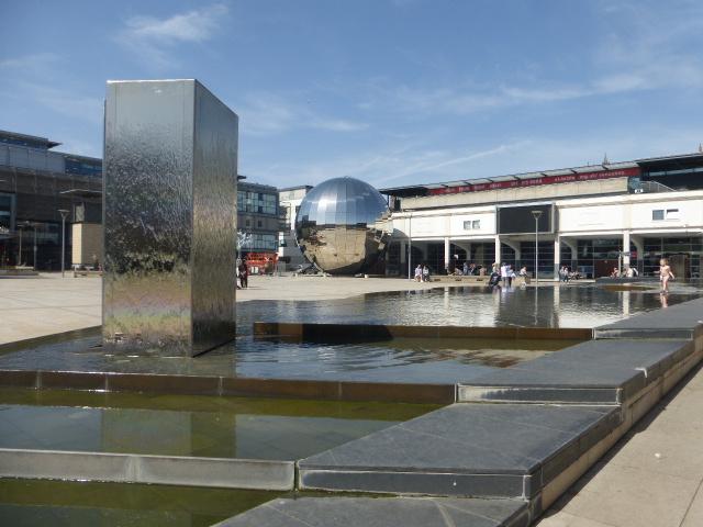 photo walk through Bristol: the modern