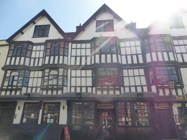 photo walk through Bristol: drink in historic surroundings