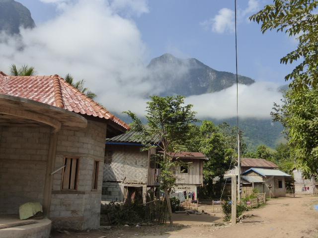 Nong Khiaw street view