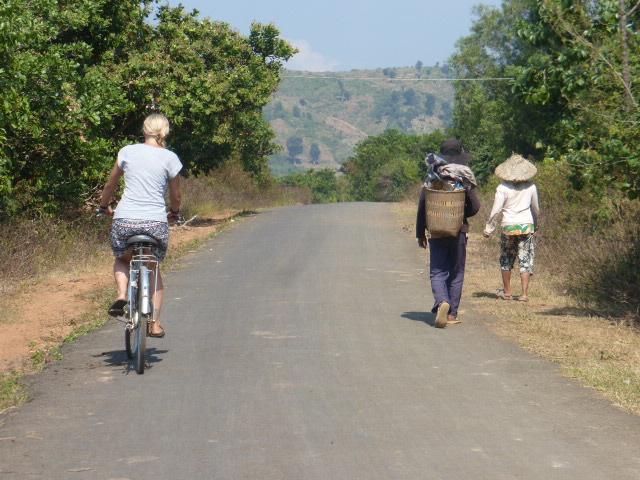 Lak Lake cycling