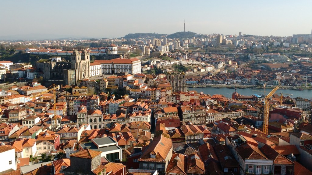 the view from Torre dos Clerigos over Porto