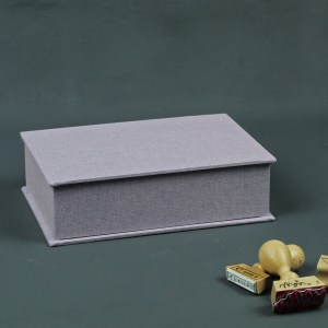 Leinen bezogenes fliederfarbenes Schreibtischkästchen