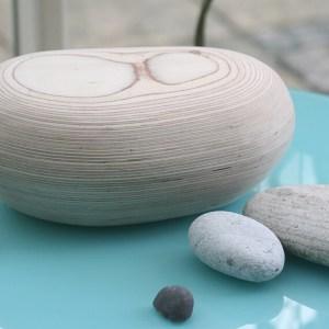 Pebble urn