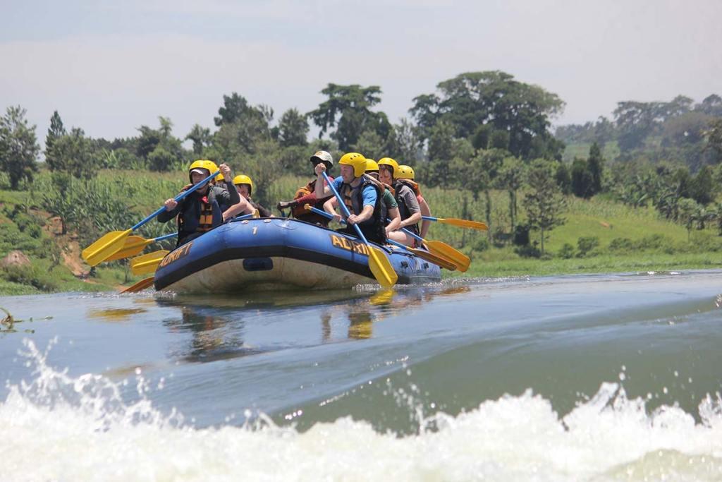whitewater rafting Jinja on the nile rapids