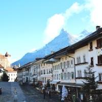 【スイス】チーズが有名なグリュイエールは女性が気に入る可愛い丘の町