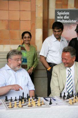 Hans-Walter Schmitt, Aruna Anand, Vishy Anand und Wolfgang Grenke
