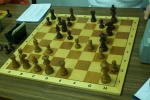 Hingegen hatte Arne Hampel als Schwarzer gegen Wolfgang Baumeister den Bauern h7 verloren. Dafür hatte er eine spürbare Aktivität.