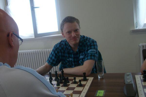 Soeben gewann er diese Partie und steht damit als Meister fest: GM Martin Krämer!