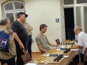 Noch länger dauerte die Partie zwischen Olaf Schulz und Frank Niehaus. Letzterer dominierte überwiegend die Partie, bis er einen Trick übersah...