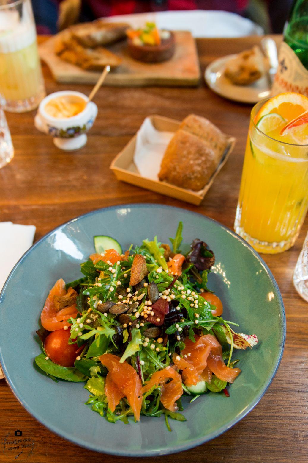 Schwarzreiter Tagesbar Kleiner Salat mit hausgebeiztem Alpenlachs