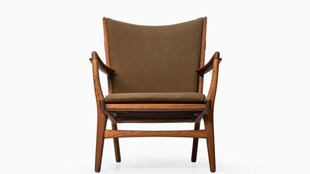 Hans Wegner easy chair model AP-16 at Studio Schalling