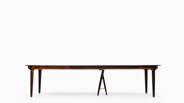 Henning Kjærnulf dining table model 62 at Studio Schalling