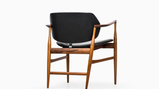 Ib Kofod-Larsen armchair model Elizabeth at Studio Schalling