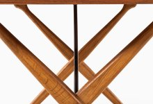 Hans Wegner AT-303 dining table in teak at Studio Schalling