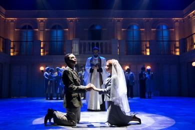 סצנת החתונה (צילום: דניאל קמינסקי).