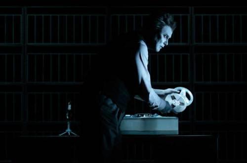 רוברט וילסון בטייפ האחרון של קראפ מאת בקט (צילום: Lucie Jansch)