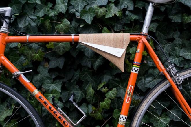 DIY Fahrradtasche selber nähen aus Kork