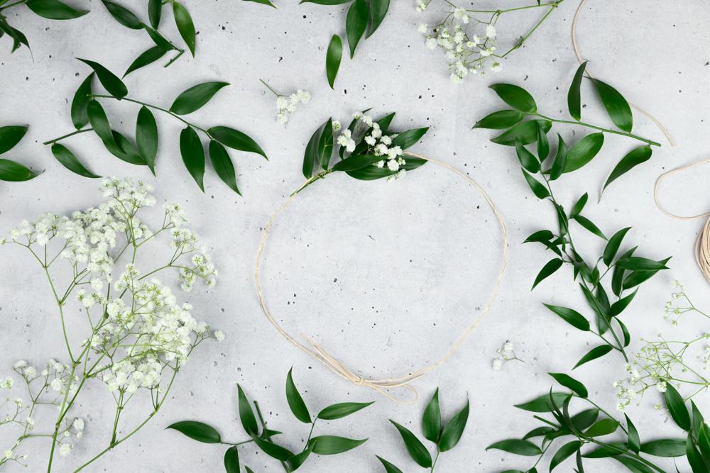 DIY Blumenkranz selber machen DIY Hochzeit - schereleimpapier DIY Blog Berlin London