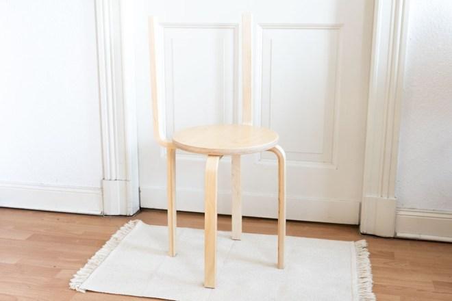 IKEA DIY Hack Stuhl aus Hockern selber bauen - schereleimpapier DIY Blog kreative Tutorials für DIY Geschenke, DIY Möbel und DIY Deko zum Basteln