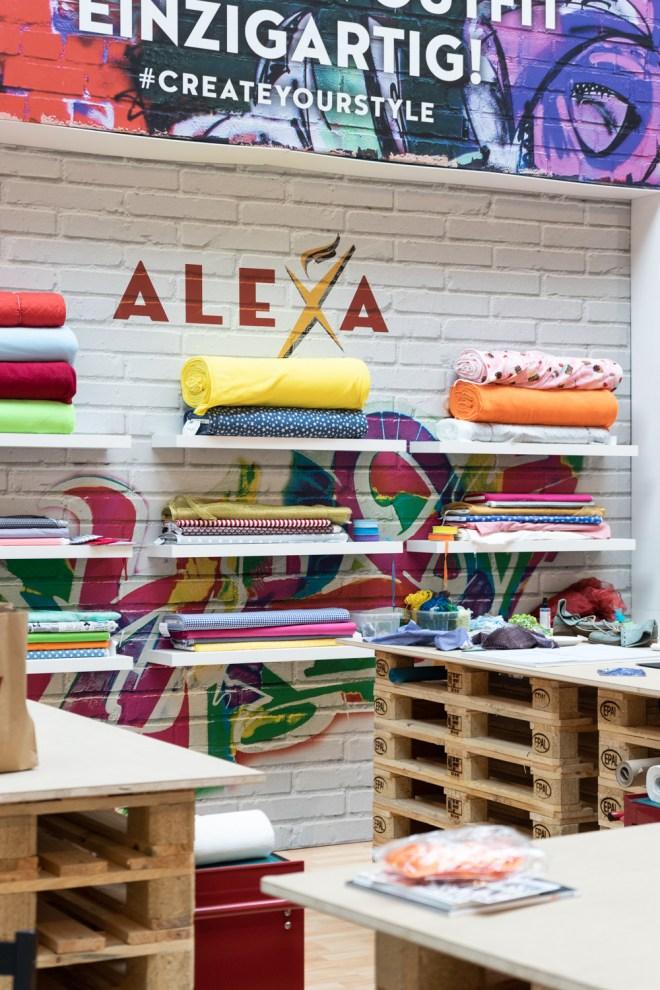 DIY Mode Idee Jeansjacke mit geometrischen Motiven - schereleimpapier DIY und Upcycling Blog aus Berlin - kreative Tutorials für DIY Geschenke, DIY Möbel und DIY Deko zum Basteln