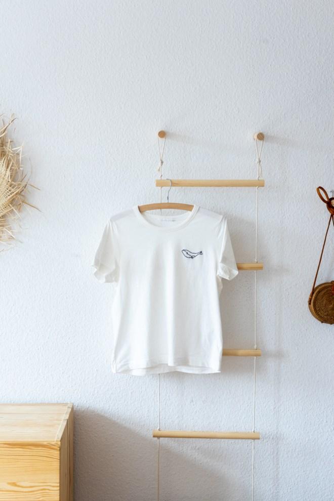 DIY T Shirt embroidery schereleimpapier DIY und Upcycling Blog aus Berlin - kreative Tutorials für DIY Geschenke, DIY Möbel und DIY Deko zum Basteln